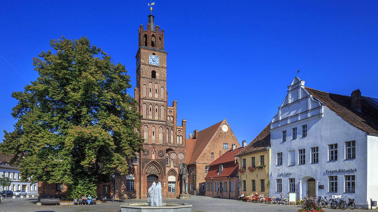 Brandenburg (Havel), Brandenburg, Kurfürstenhaus - Zeno.org